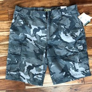 Other - Men's camo shorts